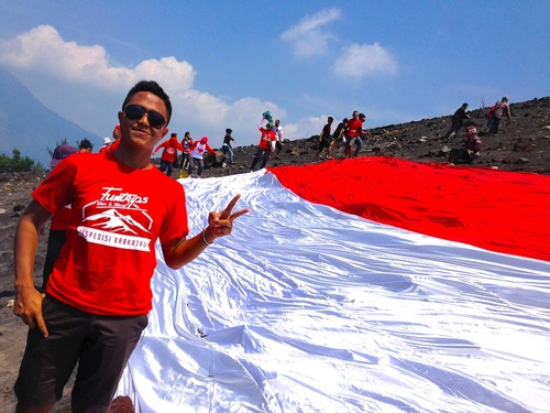 Celebrating The National Independence Day on Top of Mountain